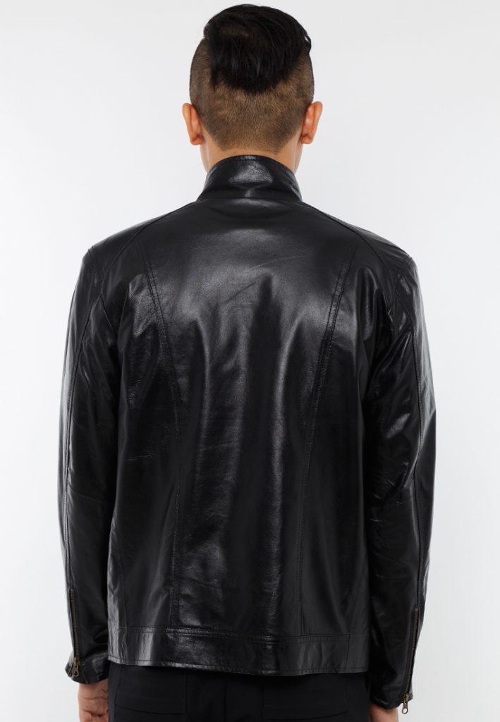 Áo da bò cổ ôm màu đen